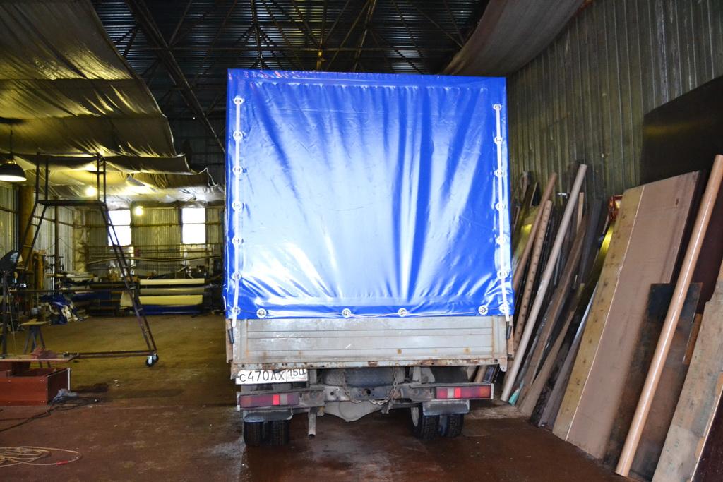 Задний клапан тента грузовика «Газель»
